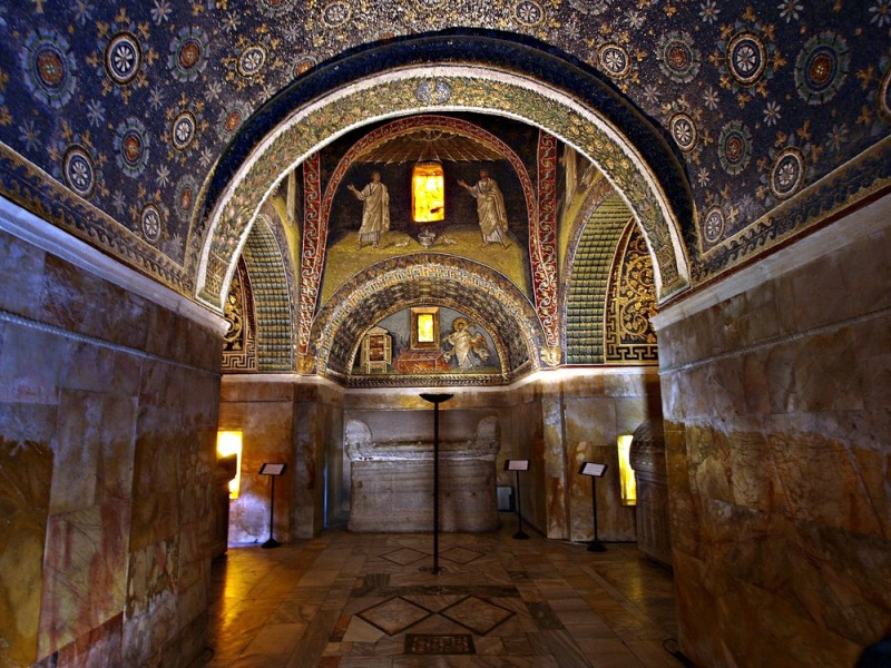 Mausoleo-di-Galla-Placidia-a23408229